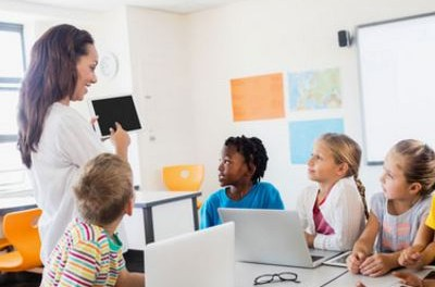 Integrating Technology in the Classroom by Using these Amazing (and FREE) Apps